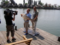 Robson Green Extreme Fishing in Bangkok at Bungsamran Lake