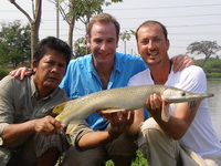 Alley, Eddy & Robson Green fishing IT Lake Monsters Thailand
