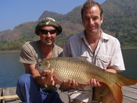 Eddy Mounce & Robson Green jungle carp fishing in Thailand