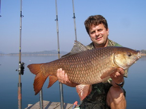 28lb 09oz Indian carp caught jungle fishing in Thailand