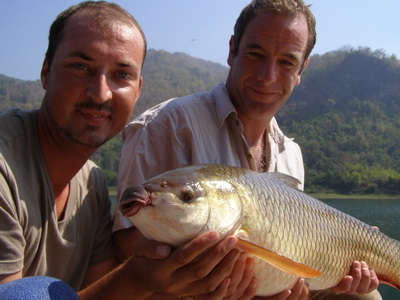 Robson Green Extreme Fishing Thailand guided by Eddy Mounce